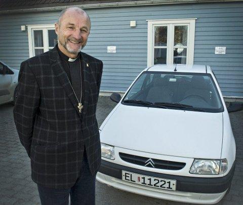 DAG ARNE ROUM: Den tidligere sognepresten i Strømsgodset kirke ble 72 år gammel. Her fotografert i 2012.