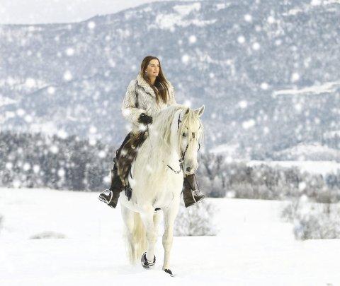Winter wonderland: Lisa Grimnes og «spanjolen» Baco. Foto: Thea K. Nilsen