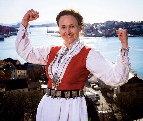 BUNADSGERILJA: Anja Cecilie Solvik i Bunadsgeriljaen forteller at folkebevegelsen har over 90.000 medlemmer på Facebook. - Men engasjementet i Innlandet bør bli større, mener hun.
