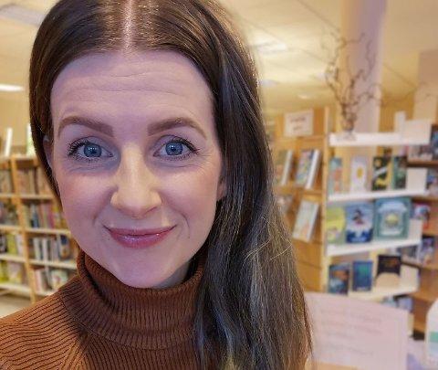 NY JOBB: Karmøybu Thea Elisabeth Mikkelsen (30) er i gang på sin nye arbeidsplass.