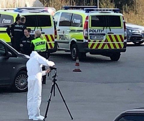 ULYKKE: Politiet fikk melding om en ulykke i Vindafjord torsdag ettermiddag. En tre år gammel gutt ble erklært omkommet på stedet.