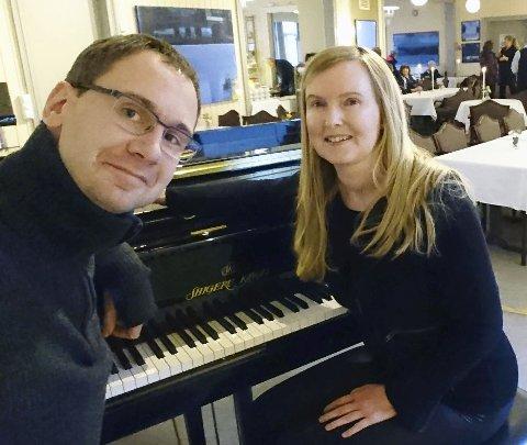 BØKENES MUSIKK: Tor Martin Leines Nordaas og Christin Eriksen samarbeider om konserten «Bøkenes musikk» på Kulturverkstedet onsdag 3. juli. Foto: Privat