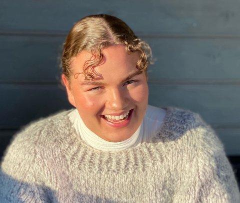 ENGASJERT NYNORSKBRUKAR: Ida Marie Jegteberg (24) frå Åkra brenn for nynorsken, og i masteroppgåva si valde ho derfor å sjå ho nærare på nynorskopplæringa for lærarar under utdanning.