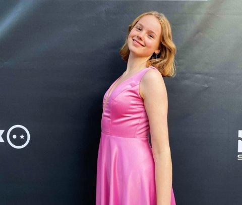 SKUESPILLERDRØM: Laura Sjaastad (15) fra Moss trodde ikke på at hun var blitt valgt ut til å være med i NRK-serien.