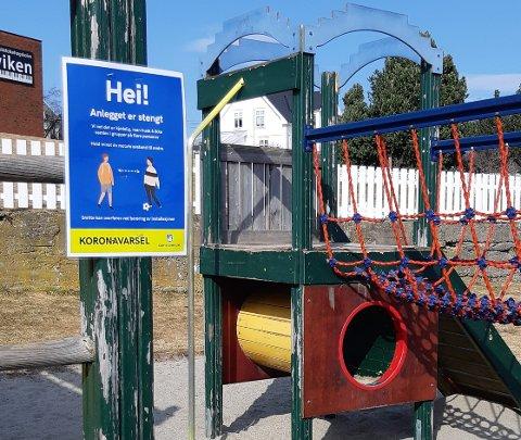 ANLEGGET ER STENGT: Gjøvik kommune har stengt de offentlige lekestativene, blant annet dette på Mjøsstranda, rett nedenfor Viken musikkfolkehøgskole.