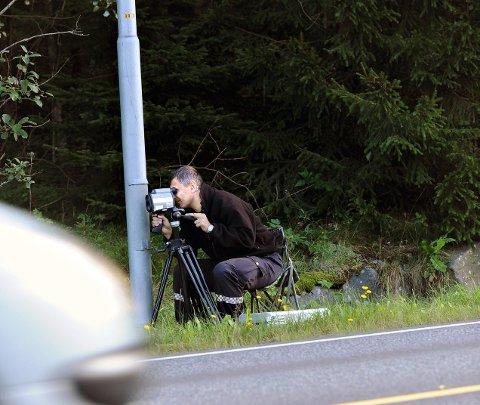 KONTROLL: Både UP og politiet følger ofte med på farten som bilistene holder i Løkenveien. FOTO: OLE KR. TRANA
