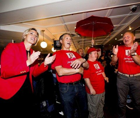 Tidlig jubel: Da forhåndsstemmene var talt opp hadde Janka Holstad og Ap grunn til å juble.Foto: Tom Gustavsen