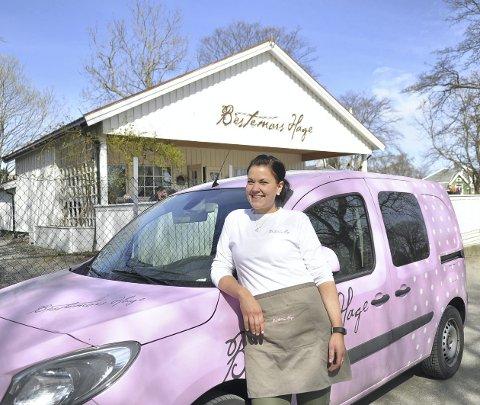 Glad: Erika Endreseth er overlykkelig for å ta over sjefsansvaret i Bestemors hage.