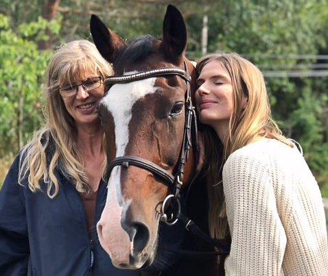 Anne Lise Andresen, datteren Heidi og Mytos.