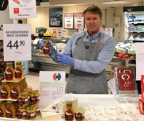 KORTREIST: Bent Kittelsen og medeierne i Honning AS jobber på spreng for å få lokalprodusert honning inn i butikkhyllene.