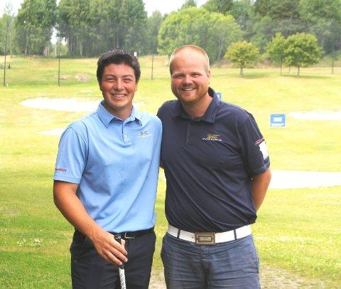 Viktor Hovland(t.v.) har tatt store steg på golfbanen de siste årene.  Da han spilte i Drøbak var han meget fornøyd med sin trener Jørgen Hillås.