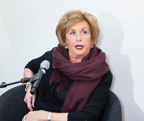 Trude Drevland maner til opprør og kamp mot endringene av distriktsendingene til NRK. Hun har fått tusenvis av henvendelser, sier hun.