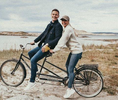 Paul Trevor Robbins fridde til kjæresten Julie Skui Olsen på en tur med tandemsykkel i Sverige for to år siden. Nå vil paret bruke samme sykkel i bryllupet.