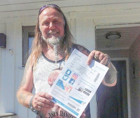 John Arne Fossum (57) fra Hadeland var tidlig ute med å skaffe paret helgepass på Gressvik Torg. De kommer for sjette gang.