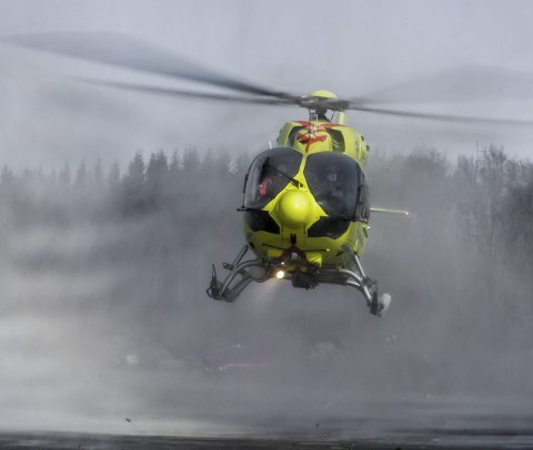 Ambulansehelikopteret har base hos Forsvaret på Evenes fram til april neste år.