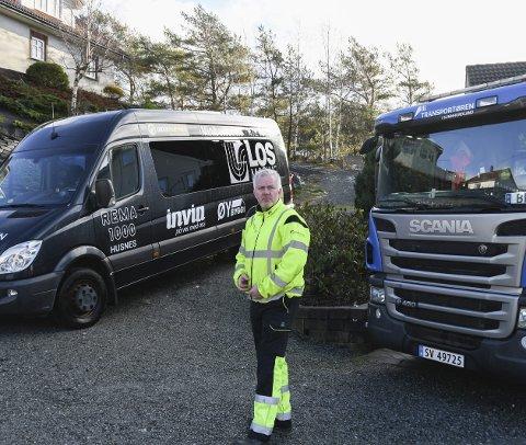 SATSA PÅ TRANSPORT: I 2017 starta Frode Kvalheim eigne firma, Transportøren i Sunnhordland AS og Kvalheim Minibussutleige. Det har han ikkje angra på.