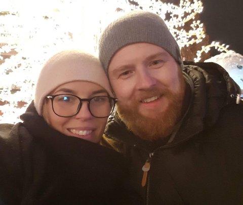 Renathe Grønbeck (35) fikk diagnosen uhelbredelig hjernekreft i 2017. Både hun og samboeren, Morten Svendsen (39), mener en kreftkoordinator ville vært til stor hjelp. Nå håper de at Skiptvet får et slikt tilbud fra 2022.