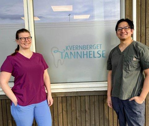 Tannlegene Kirsti Kristoffersen og Carl Caoile ved Kvernberget Tannhelse har startet med telefonvakt i helgene.