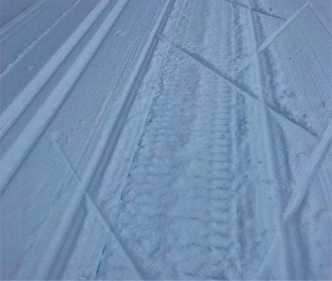 Spor: Slike spor er det nå i 15-16 kilometer langs traseen som holdes i orden av Leirin skiløyper AS.