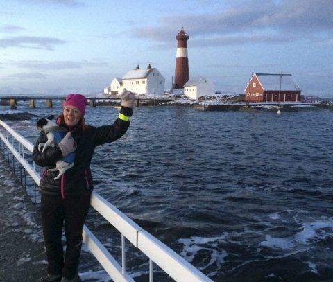 LENGTET HIT: Anne-Gry Jakobsen kjente i mange år på en lengsel etter å være her. Nå flytter hun dit med hunden Herr Nilsson. FOTO: Privat
