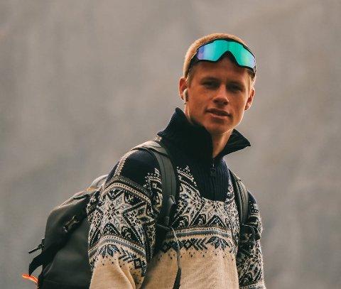 SPRØTT: Tidligere i år bodde Andre Larsen i Vestfossen og jobbet i Lier. Nå er han dronepilot i Dubai. – Det er litt sprøtt egentlig.