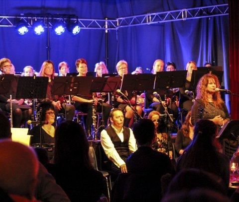 Egen tolking: Linda Gunnarsen sang «Himmel på jord», skrevet av Jan Vincents Johannessen, på egen dialekt.