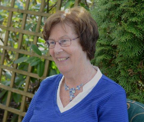 OMSORGSPERSON: Nancy bryr seg om mennesker, og ønsker det beste for alle. Gjestfriheten er stor, og hun har alltid et godt smil på lur. Foto: Jarle Pedersen