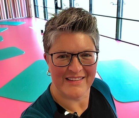 I NY JOBB: Ariane Flateby er ansatt i Aurskog-Høland kommune som ruskonsulent for ungdom. – Jeg gleder meg til å ta fatt på utfordringene, sier 50-åringen fra Aurskog.