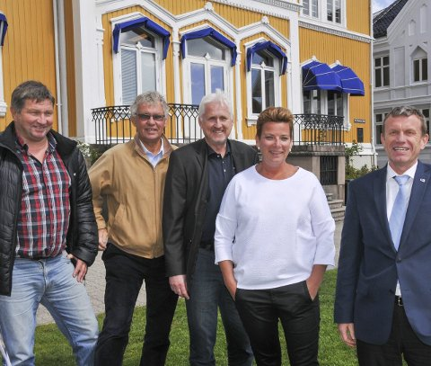 Totalkonsept: Fra venstre Harald Nilsen, Lars Kjendal, Reidar Skoglund, Henriette Fluer Vikre og Kåre Preben Hegland har gjort klart et forslag på rekordtid. Foto: Per Eckholdt