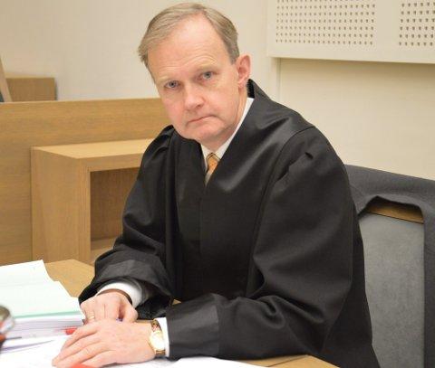 FORSVARER: Advokat Arne B. Krokeide.