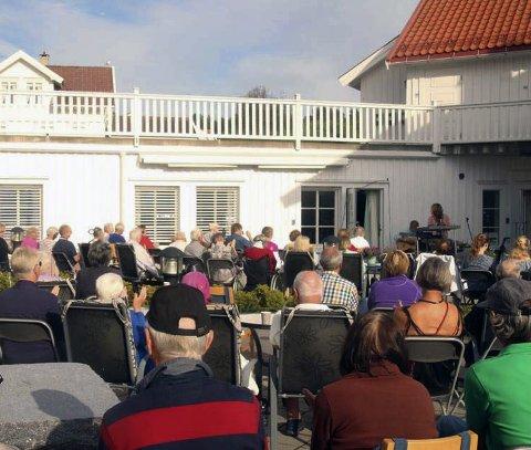 Brenner for nærmiljøet: Beboerne i Helgeroa og Nevlunghavn vil beholde hjemmetjenesten som den er.Privatfoto