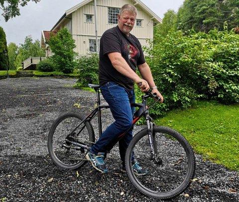 SYKLE: Jon Vie ser frem til å endelig kunne sykle til jobb, etter å ha bodd i Midtskogen i 20 år.