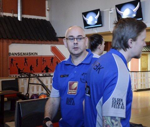 TIL NM:  Rana bowlingklubbs Tommy Pedersen deltar i veteran-NM i bowling sammen med tre andre lokale spillere.