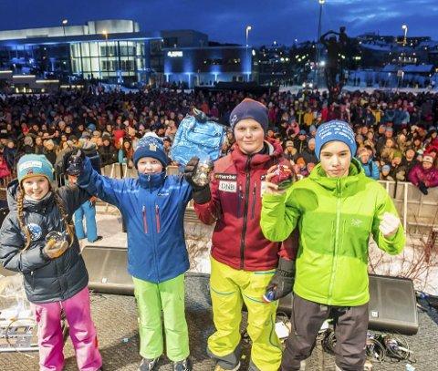 I NNM: Rana slalåmklubb fikk med seg VM-søknadsfesten i Narvik da de deltok i årets NNM. Fra v: Ulrikke Bjørkmo Eliassen, Theo Rabben, Oliver Olsen og Simon Karlsen.Foto: Rune Dahl