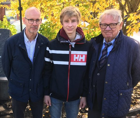 TRE GENERASJONER: Karl Overns etterkommere, fra venstre Carl Jonas, Laurits og Bjørn Overn.