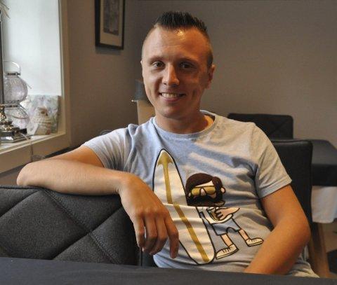 HADDE VURDERT: Erik Mogeno (27) tar ikke karuseller frivillig, men for én million kroner, så kanskje... Telen har tatt sommerpraten med den unge buktaleren, komikeren og magikeren.