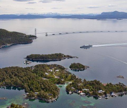 Det haster stadig mer med å skrinlegge Hordfast-planene om bro over Bjørnefjorden.