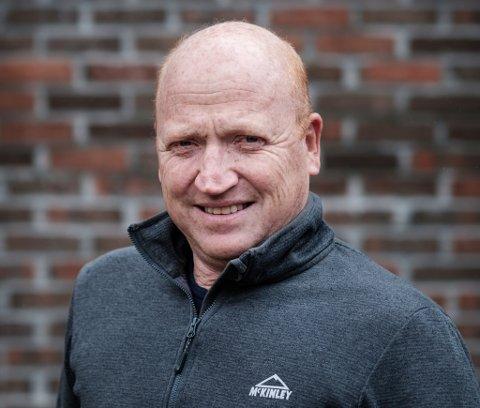 MÅ BYGGE: Dagleg leiar i NoMil, Inge Bent Arnestad, må bygge nytt reinseanlegg. Det synest han er greitt. For sjølv om verksemda handterer avfall, vil dei ikkje ureine sjølve.