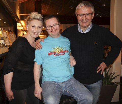 KLARE: Påtroppende festivalsjef Stine Sannerud, konferansier og veteran Marius Kristiansen, og styreleder Bjarne Haug Thesen.