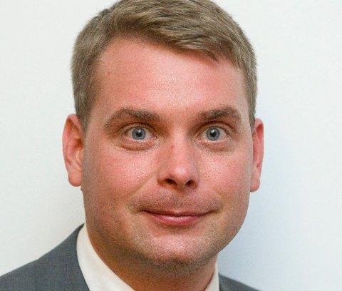 FØLER SEG SVEKET: Vegar Johansen sitter i kommunestyret, men må klare seg uten Egil Lund Pettersen som har meldt overgang til Høyre.