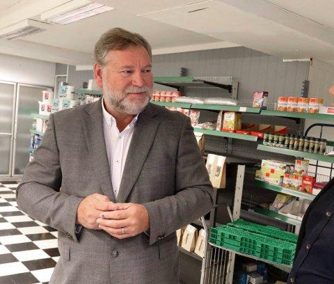 MÅTTE GI OPP: Ove-Henning Bjørsvik og hans Helgesen Landhandlerier AS kjøpte konkursboet fra de forrige driverne. Nå er alt levert skifteretten.