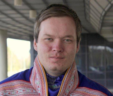 BEKYMRET: Ordfører i Kautokeino, Johan Vasara er ikke bare bekymret for Kautokeino. – Om det ikke lenger er tilstrekkelig å være i full jobb i Norge i 2019, så er vi nødt til å snakke om noe mer enn antall sysselsatte, sier Vasara.