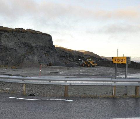 VIL UTVIDE. Rasmussen Anlegg AS vil utvide masseuttaket ved Kåkernsundet.