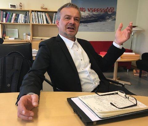 IKKE FORNØYD: Fylkesrådsleder Willy Ørnebakk mener PCI-saken må utsettes på nytt, at at ALLE sider av saken må opp og frem før man kan fatte et kvalifisert beslutning.  Foto: Are Medby