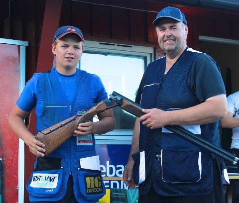 Christian Rød Karlsen og Tom Nalum med hovedpremien i fjorårets Beretta Norges Cup.