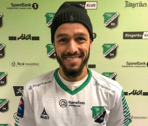 SIGNERT: Ahmed El Amrani, med erfaring fra toppfotballen, har signert en kontrakt med HBK som strekker seg over to år.