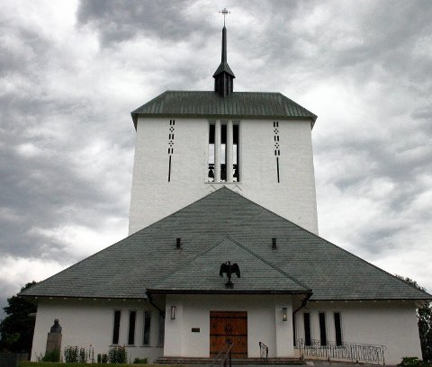 HISTORISK GUDSTJENESTE: På tirsdag får man oppleve en gudstjeneste i Ullensaker kirke slik den var i 1685.foto: Magnus vollset