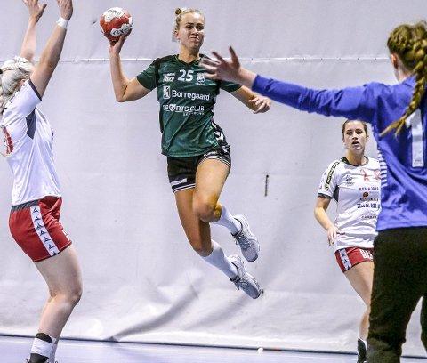SIL-damene tapte borte mot serieleder Flint Tønsberg søndag. Cathrine Rangøy Nygaard var sarpingenes toppscorer med seks mål. (Foto: Tobias Nordli)