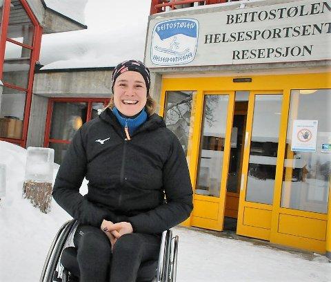 Roser senteret: Birgit Skarstein ga ros til helsesportssenteret da hun fredag kastet glans over avtalen mellom Beitostølen Helsesportssenter og neste års arrangør av Para-VM på snø.