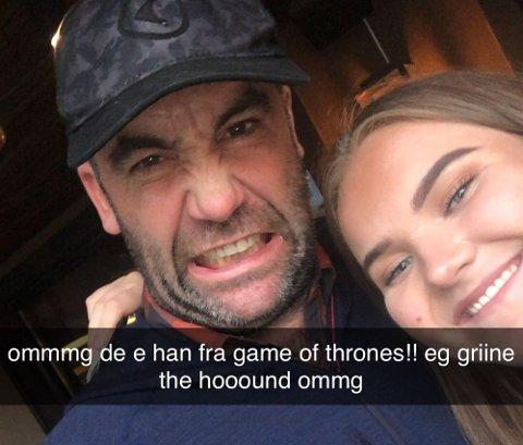 """I Bodø: Amalie Njærland møtte på Rory McCann, kjent fra """"Game of Thrones""""."""